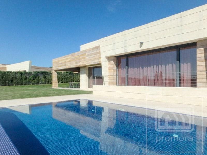 Chalet alquiler en la finca blog de inmobiliaria promora for Alquiler verano sierra madrid piscina