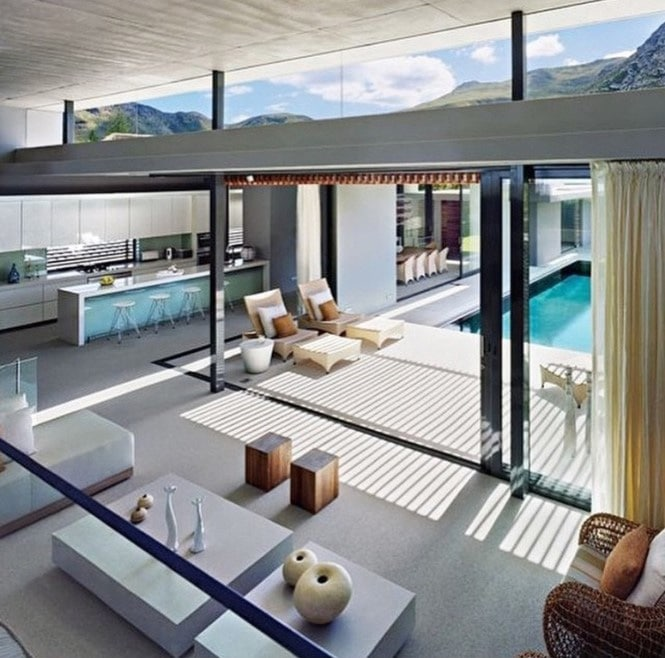 Casas de lujo modernas blog de inmobiliaria promora for Jardines interiores de casas modernas