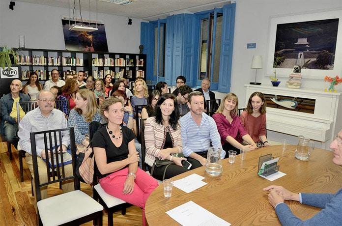 Escuela de Escritores patrocinado por Promora