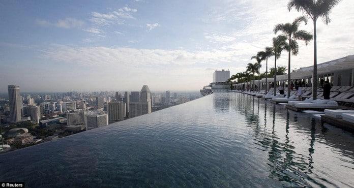piscina increíble