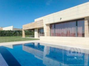 Villa for rent in La Finca