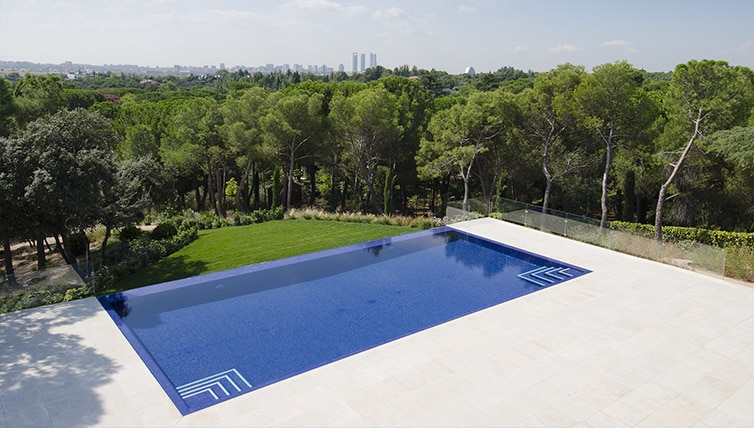 piscina en La Moraleja