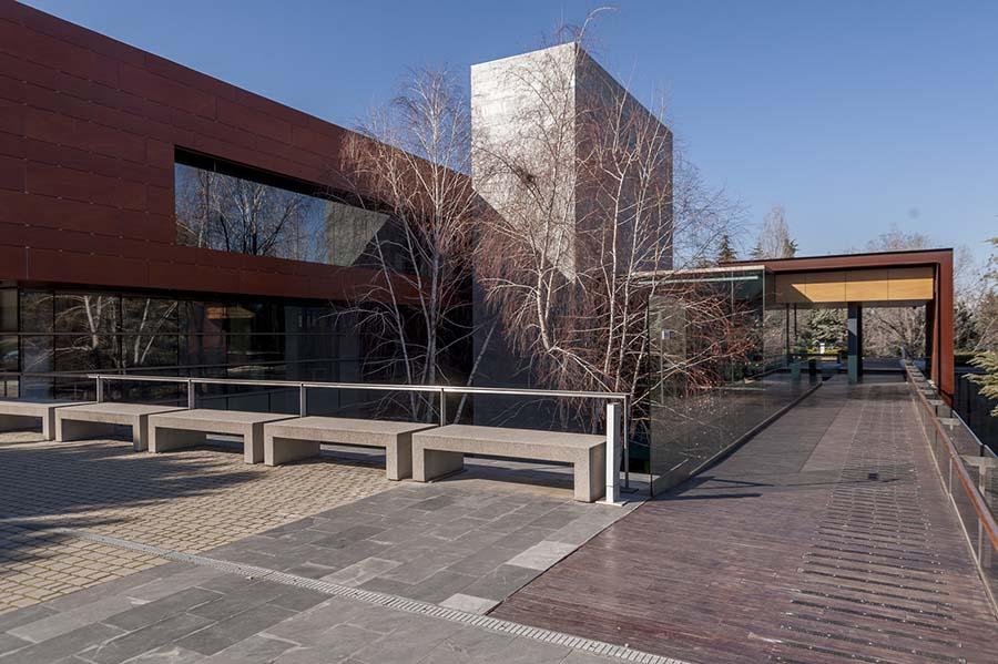 Oficina en venta en exclusivo y representativo edificio frente a La Moraleja